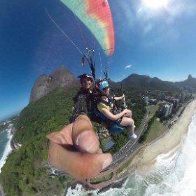 Curta essa Foto em 360 graus! Abra sua mente, Voe Parapente !  www.vooparapenteriodejaneiro.com  @escolacarioca  #theta360
