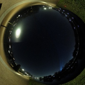 Sternenklar und kalt. Und am Brandenburger Tor wird schonmal für Silvester geübt. #theta360 #theta360de