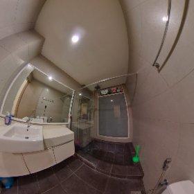 Awesome Studio Bathroom