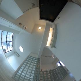 ブリックハウス301 玄関