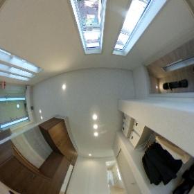 1階玄関3