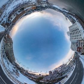 撮影はTheta Z1 (手持ち), THETA Stitcherにてスティッチ後 PhotoDirectorで撮影者消去等の加工 #snowcrystal3d #theta360
