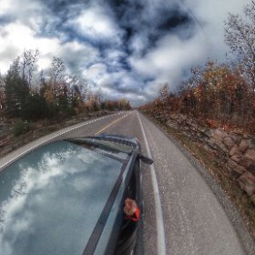 On highway 60 going through Algonquin Park #algonquin #outdoors #nature #wilderness #travel #landscape #forest #tree #canada #canada_gram #artofautumn #theta360