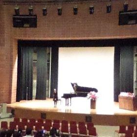 ピアノ発表会。 暗いところはきつい。 #theta360