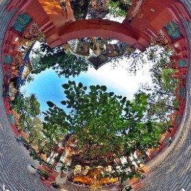 วัดพระธาตุแสนคำฟู (Wat Phra That Saen Kham Fu) ตั้งอยู่ที่ หมู่ที่ 1 บ้านสันต้นเปา ตำบลแม่เงิน อำเภอเชียงแสน จังหวัดเชียงราย 57150 @ http://www.Wat.today/ @ http://www.วัด.ไทย/