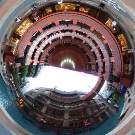 福岡はキャナルシティ博多です。 円形の場所なので面白い感じになりました。 #theta360