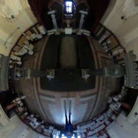 Lift spre sala cuptoarelor - Sala principala - Crematoriul Cenusa