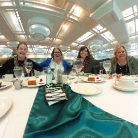 360 view of a Guild table 1 at @mwhof ceremony. #askformary #theta360