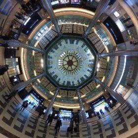 全天球カメラ買った時から撮りに行きたかった東京駅の天井撮りに行ってきました。キラキラ。 #theta360