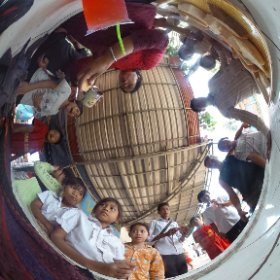 Lunch time in Via Del Campo - NGO #theta360