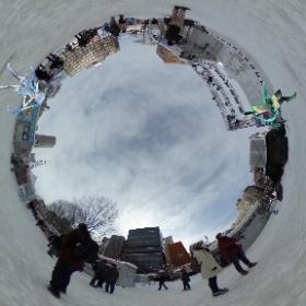 雪ミクさんの雪像前で一枚。 雪ミクさんの周りには常に人が集まっていて 寒いけど暖かい場所です。  #miku360 #theta360