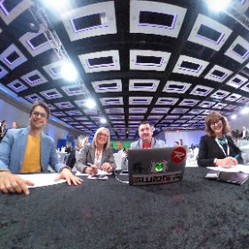 May I present our judges! I see @Maxi_Macki and @LizAshallPayne #miskHackathon  #theta360