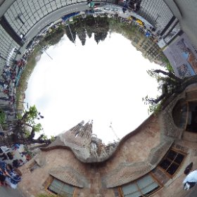 LA SAGRADA FAMILIA (y alrededores). Escuela de Gaudí. Barcelona. (Foto 23).
