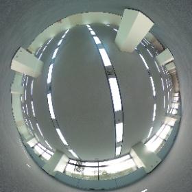 新宮ビル1階216坪