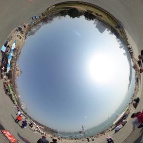 大連星海公園なう。今日は天気が良いし、暖かいので人が多いですね。 #theta360