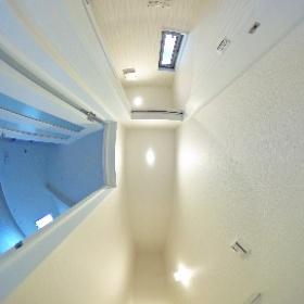 ルピナスさくら 202号室 階段