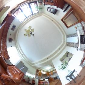 Lukratívny nadštandardný 4-izbový byt Šamorín obyvačka s kuchyňou