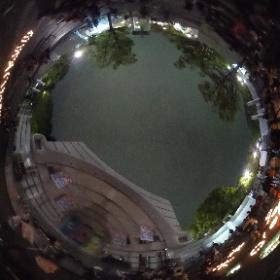アースデイ東京2016 ステージプログラムが終わった後の、キャンドルが素敵でした。まさかのくまモン。 #theta360
