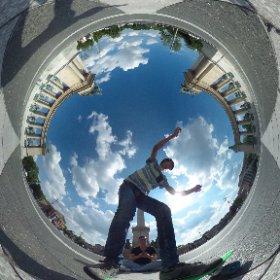 Heroes' Square (Budapest) PennyBoard Guy #theta360