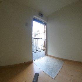スガビル303玄関、キッチン