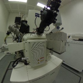 Take a tour of the @EMSTP @TheCrick - the Zeiss Crossbeam 540  focused ion beam scanning electron microscope