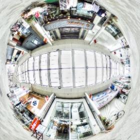 VRパノラマ製作技術が向上して参りました。  #ペン画展 の時に撮影したアートスープ(@GalleryArtsoup )さんの店先と前橋中央通り商店街の様子。 三脚消し、撮影者消し、VRでもHDRなど実用域に到達。 サムネイルからVRパノラマが見られます。  #theta360