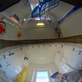 Die Spezialität der Ricoh Theta S sind kleine Räume. Hier haben wir sie im Bullauge einer Leuchtturmwärter-Toilette (Texel) platziert. #Yachtfernsehen #Texel #theta360