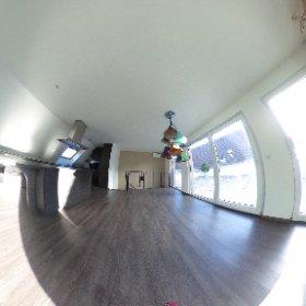 Moderne Dachmaisonette-Wohnung mit Terrasse, Garage und Parkplatz in Hégenheim (F) zu verkaufen