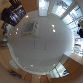 青谷学園 エレベーターホール