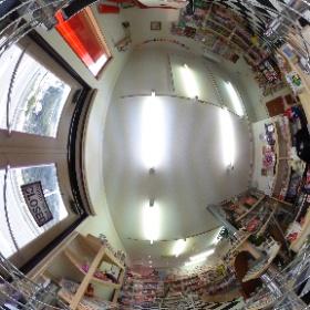 写真をクリックすると360°好きな場所を見る事ができます。  雑貨屋JUNKさんにお邪魔して店内の写真を撮らせていただきました^_^ グリグリして店内を見てみてください! #theta360