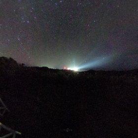 只今の種子島宇宙センター ロケットの見える丘です。 雲もほとんどなく星空が広がっています。 地上のひときわ明るいのが第二射点です。 #nvslive #theta360