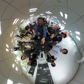 今日のアスキーシータ部の集い@東京 テレビ取材のMXモーニングクロスのスタッフさんたちと、ハイ、シータ!