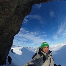 Меня спрашивали про размеры Тарантулы на Шпицбергене. Вот тут они хорошо видны. Кликните и покрутите