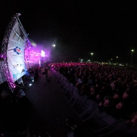 CHRISTMAS LIVE: Amazing crowd of 15,000 pop fans here for Christmas Live charity gig with James Arthur and Louisa Johnson at Meadowhall, Sheffield. #theta360 #theta360uk