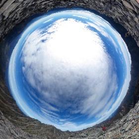 """この写真は、Webサイト『絶景360』の一部です。日本語版は、こちら(https://zk360.site)からご覧いただけます。 This photo is part of the website """"zk360.site"""". English version URL is https://e.zk360.site/"""