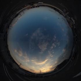 #RICOH #THETA #全天球写真 夕暮れ時の空と雲