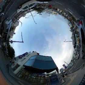 逗子のみずほ銀行です。駅前にありまーす。  www,zushi-seitai.com ドイツ式カイロプラクティック逗子整体院 #theta360