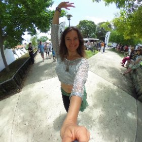 Mavra Grimonprez & Greta demonstrated #bellydancing at the Bonjour French Festival today in #Subiaco #westernaustralia #artavism #theta360