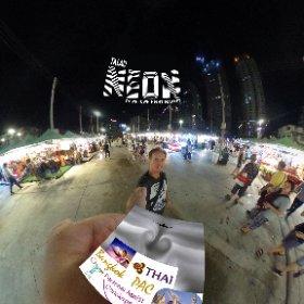 Talad Neon night markets in Downtown Bangkok, SM hub https://goo.gl/3khjpl BEST HASHTAGS #TaladNeonBkk  #BkkMarkets  #BkkNightMarkets  #BkkFleaMarket  related #CanalSsPierPratunam  #BkkZoneRatchathewi  #BpacApproved  #firefly3d