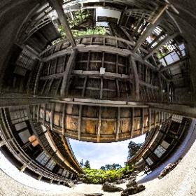 高野山 本宮中庭