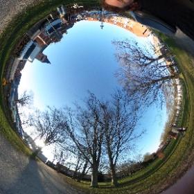 Lille 360 graders foto test. Drej selv rundt ved at trække med din finger på skærmen.