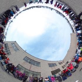 Expérience d' ERATOSTHENE experiment  Calculer la circonférence de la Terre / Calculate the circumference of the Earth  2019-03-20 - 5 h avant l'Équinoxe de printemps  / 5 h before Spring Equinox  École/School: Gabrielle-Roy, Boisbriand