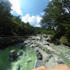 草津温泉、西の河原公園。流れてる水は全部温泉だった。湯量が凄い。ちなみに久しぶりにtheta360を活用してみたけど、やっぱいいな。 #theta360