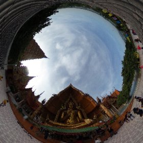 360 degree view of the giant Buddha at Tiger Cave Temple (วัดถำเสือ)