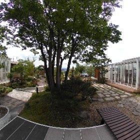 お庭とエクステリアの京阪グリーンです。 大津展示場(本社)のお庭の様子です。ガーデンルームなど直接ご覧になることができます。
