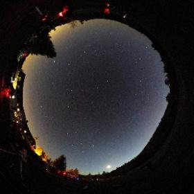 Camp d'astronomie du Club des Astronomes Amateurs de Laval - 28 avril 2017 à Tremblant.  Un peu avant le coucher de la Lune ( 21:h30 )