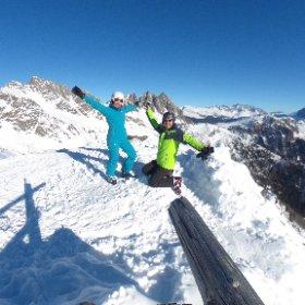 on 🔝 #snow #AlpeTognola #dolomitisuperski #dolomiti #fun #freshair #mountains #bluesky #sanmartinodicastrozza #ski #skiing #alpineski #aptsmart #trentino #italy #PalediSanMartino #vr #360 #theta360