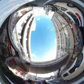 #RICOH #THETA #全天球写真 歩道橋と駅前のビル、阪急茨木市駅