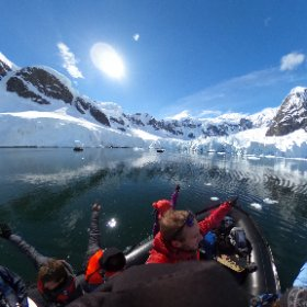 Glacier hunting in Antarctica, they seem to be everywhere! Such a beautiful place. #Antarctica #Glacier #Sun #theta360