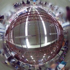 昼頃の阪急梅田駅改札。工事中のフレームが未来的な(^^) すぐ送信しようとしたけどwifi繋がらず(^^;; 今までニコンのイベントに(^^) 遅い昼飯後休憩中〜 #theta360